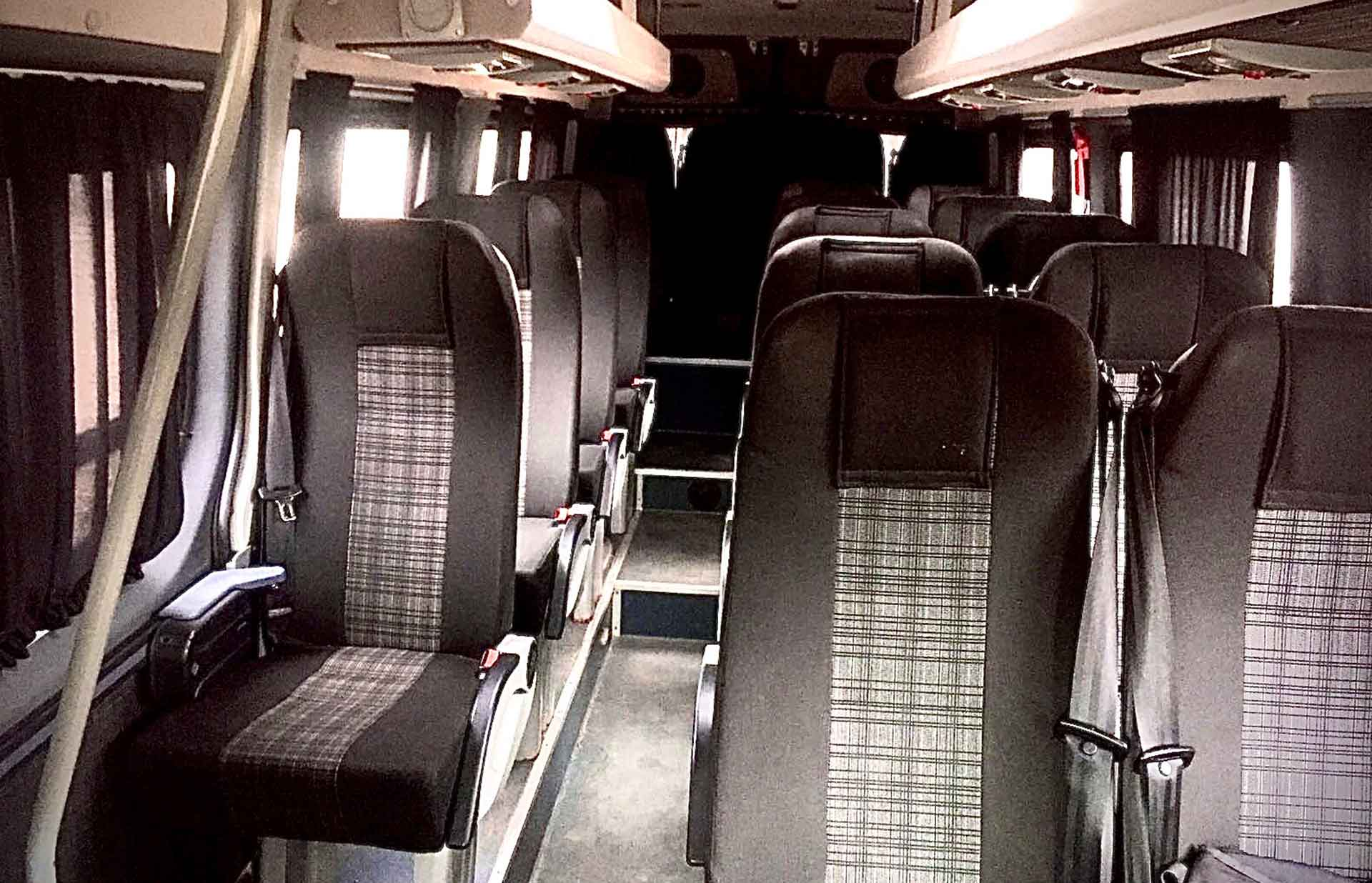 mercedes-sprinter-0000-20-seats-2.jpg
